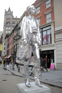 Andy+Warhol+Statue+New+York+City+wGjKkXOpTDal